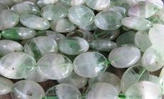 Roheline fluoriit kvartsis